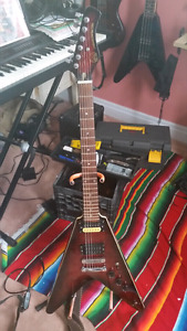 Hondo deluxe series 768 flying v from 80's looking to trade