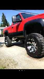 Eagle alloy wheels an nitto mud grapplers