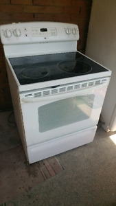 GE electric stove, great condition.