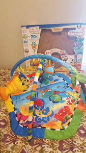 Baby einstein activity mat