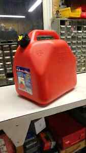 Scepter Jerry Gas Can 20 Litre Kitchener / Waterloo Kitchener Area image 1