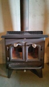 *****HERITAGE WOOD STOVE and 19ft of pipe*****