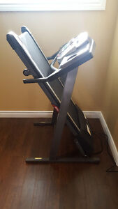 Treadmill - Tempo Fitness 611T in Mint condition for sale Kingston Kingston Area image 4