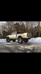 Truck Toyota Tacoma lift kit - used