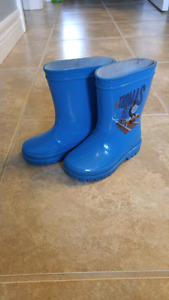 Toddler rubber boots. Size 6
