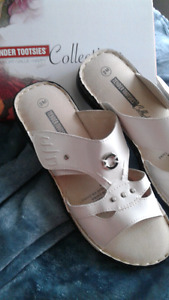 Womans tender tootsie shoes