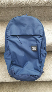 Brand new Herschel Supply Company Mammoth Navy backpack.