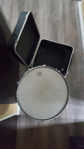 UMI snare drum with stand and case