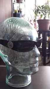 Versace sunglasses  Kitchener / Waterloo Kitchener Area image 2