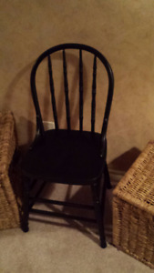 CLASSIC BLACK OLD STYLE CHAIR