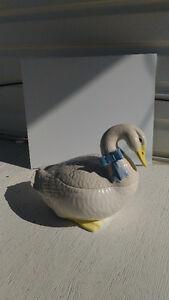 Cookie jar white goose/ swan