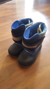 GUC size 8 boys winter boots