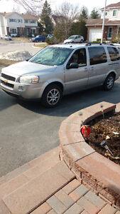 2005 Chevrolet Uplander LS Minivan, Van