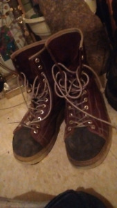 Work boots,and work wear,and tools,150.00 takes all in pics/add