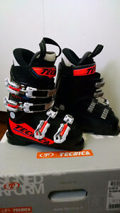 Kids Tecnica R Pro 60 Ski Boots(2015')- Very good condition!! Edmonton Edmonton Area image 2