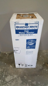 Conventional Water Heater 40 Gallons -- BRAND NEW IN BOX