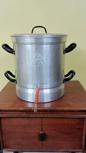 Stove Top Steam Juicer Windsor Region Ontario image 1