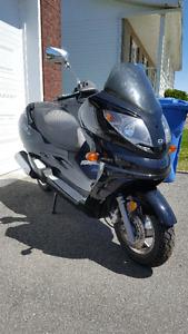 Scooter tuxedo 250cc,burgman,suzuki,moto