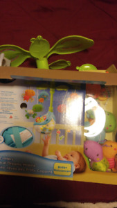 Like new LIL' CREATURES MUSICAL DREAMS MOBILE