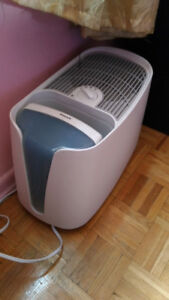 SELLING A HUMIDIFIER IN GOOD, WORKING CONDITION FOR A VERY AFFOR