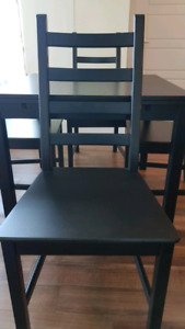 4 seater ikea dining table extendable- moving sale