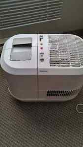 Holmes Humidifier Windsor Region Ontario image 1