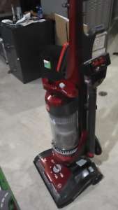 New in box hoover whole house elite pet upright vacum $165.00