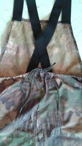 Pantalon camouflage en nylon. Lac-Saint-Jean Saguenay-Lac-Saint-Jean image 3