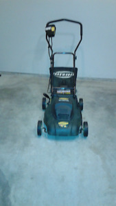 YardWorksCOMPACT ELECTRIC LAWN MOWER