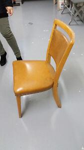 chaise vintage bois et cuir
