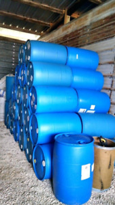 55 gallon barrels poly drums *cheap so stock up*