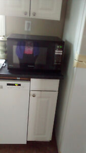 PANASONIC BLACK MICROWAVE OVEN
