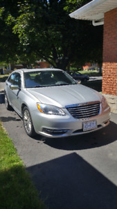 2012 Chrysler 200 Limited - Low KM - Lots of Features