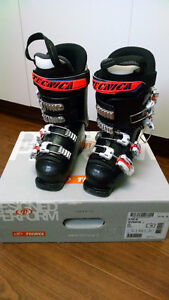 Kids Tecnica R Pro 60 Ski Boots(2015')- Very good condition!! Edmonton Edmonton Area image 1