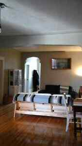 7 1/2 for rent in Outremont