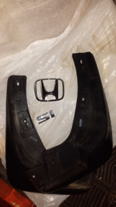 Mud Flaps and Honda H and SI silver emblems - 2002 honda Civic