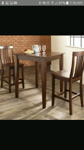 """""""Pub style"""" table (set or just table)"""