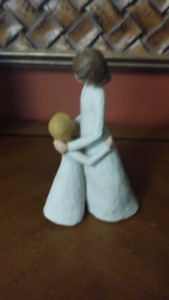 Mother n daughter figurine