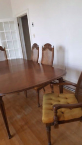 ANTIQUE TABLE & CHAIRS SET!!!!