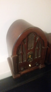 General eletric replica cathedral radio working