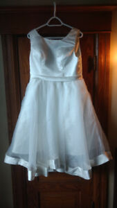 Bridal Dress size 16 New without tags