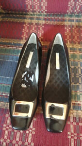 Womens Enzo Angiolini Black Patent Italian Leather Pump  10