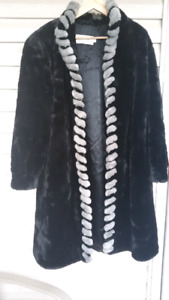 Beautiful and warm dress coat midnight black. Perfect for Xmas