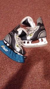 Graf Supra 301 youth Hockey skates size 2.5