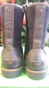UGG mens size 7 boots (brand new) 200