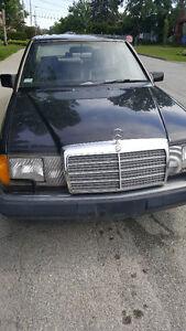 Mercedes benz 300e pour route ou pices