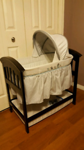 Summer Infant Wood Bassinet