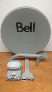 "Bell ExpressVu 20"" Satellite Dish With Quad DP Plus Digital LNBF"