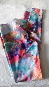 New with tags Onzie Leggings