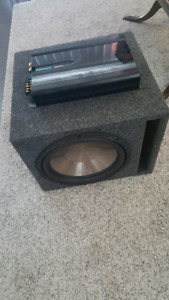 Clarion XR2420 Amplifier with Clarion 10 inch Subwoofer and box